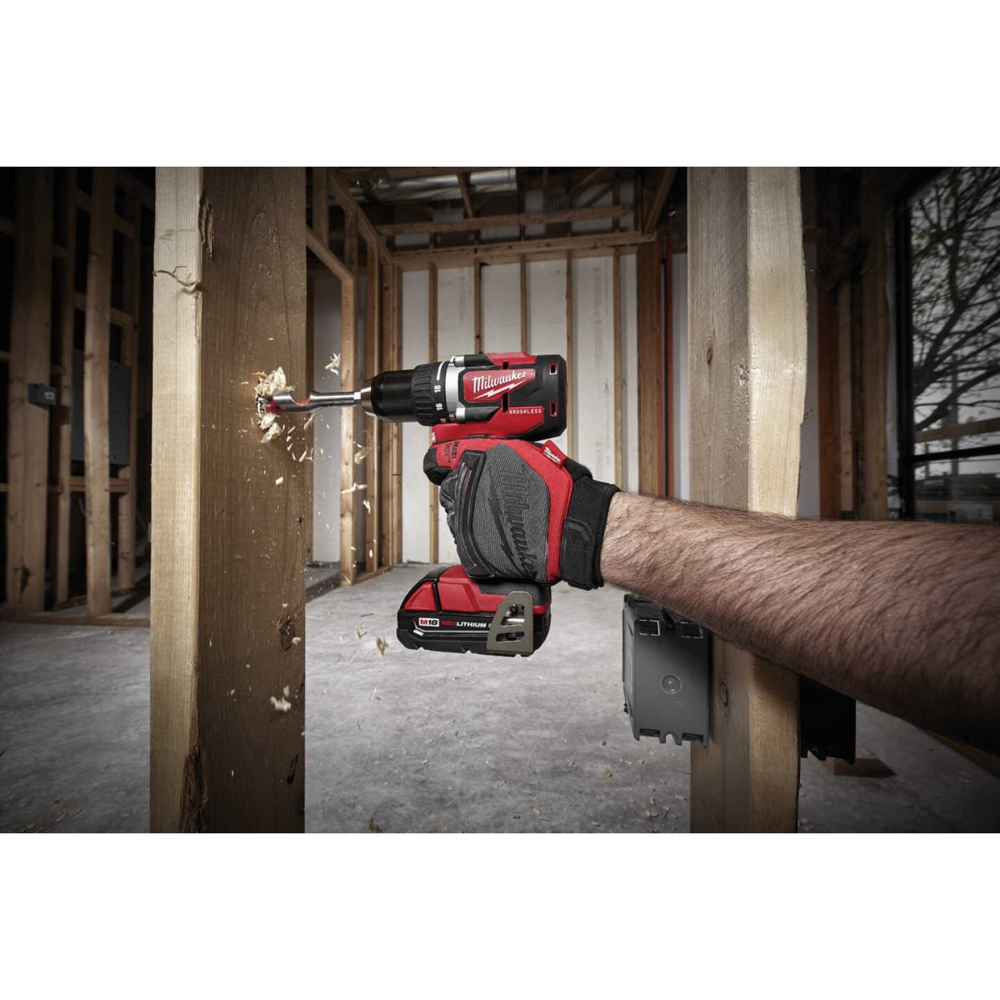 Milwaukee M18 Compact Brushless 1/2 In. Drill Driver Kit Image 2